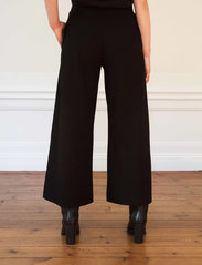 Residus - Lottie Ecovero Wide Pants - pantalons larges - black - 3