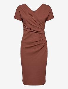 AVA ECOVERO DRESS - midiklänningar - cinnamon