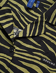 Résumé - Utah Shirt - koszule z krótkim rękawem - olive - 2