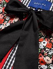 Résumé - CalliRS Vest - puffer vests - red - 2
