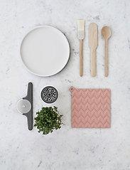 RIG-TIG - EASY porridge spoon - lusikat & kauhat - wood - 3