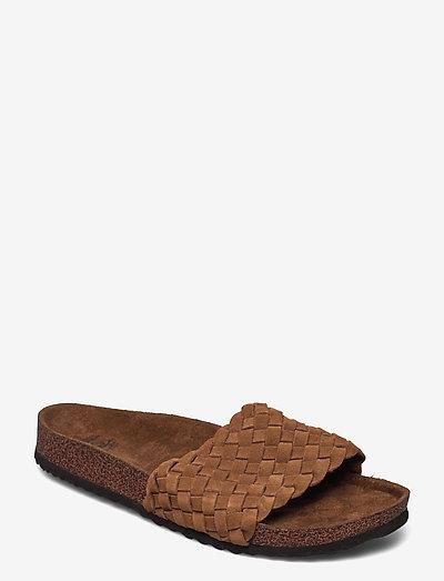 MARBELLA - flade sandaler - chestnut