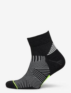 Flare Quarter Socks - ankelstrumpor - black/lime