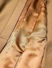 RODEBJER - RODEBJER AIAGO - skræddersyede blazere - camel - 4
