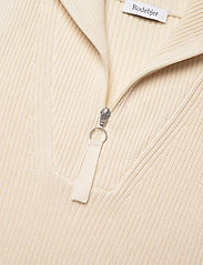 RODEBJER - RODEBJER LADA - knitted vests - ceramic white - 2