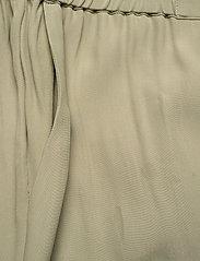 RODEBJER - RODEBJER SIGRID TWILL - bukser med brede ben - olive leaf - 2