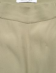 RODEBJER - RODEBJER SIGRID TWILL - bukser med brede ben - olive leaf - 3