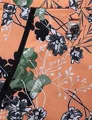 Röhnisch - KIA SKORT - sports skirts - hermosa cantaloupe - 4