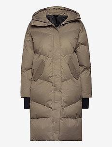 City Trekker Jacket - insulated jackets - wood