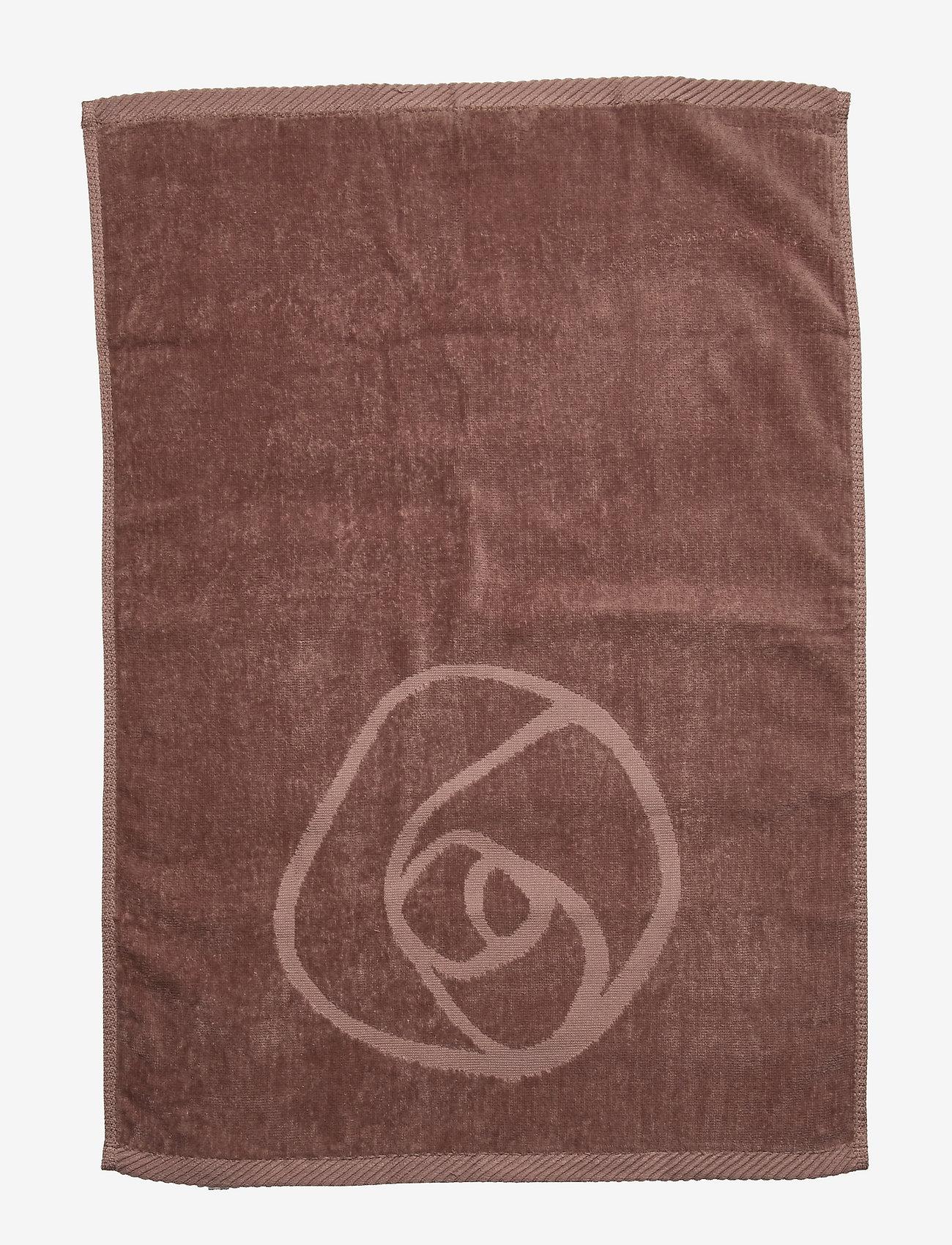 Rosemunde - towel 45x65cm - hand towels & bath towels - dusty brown - 0