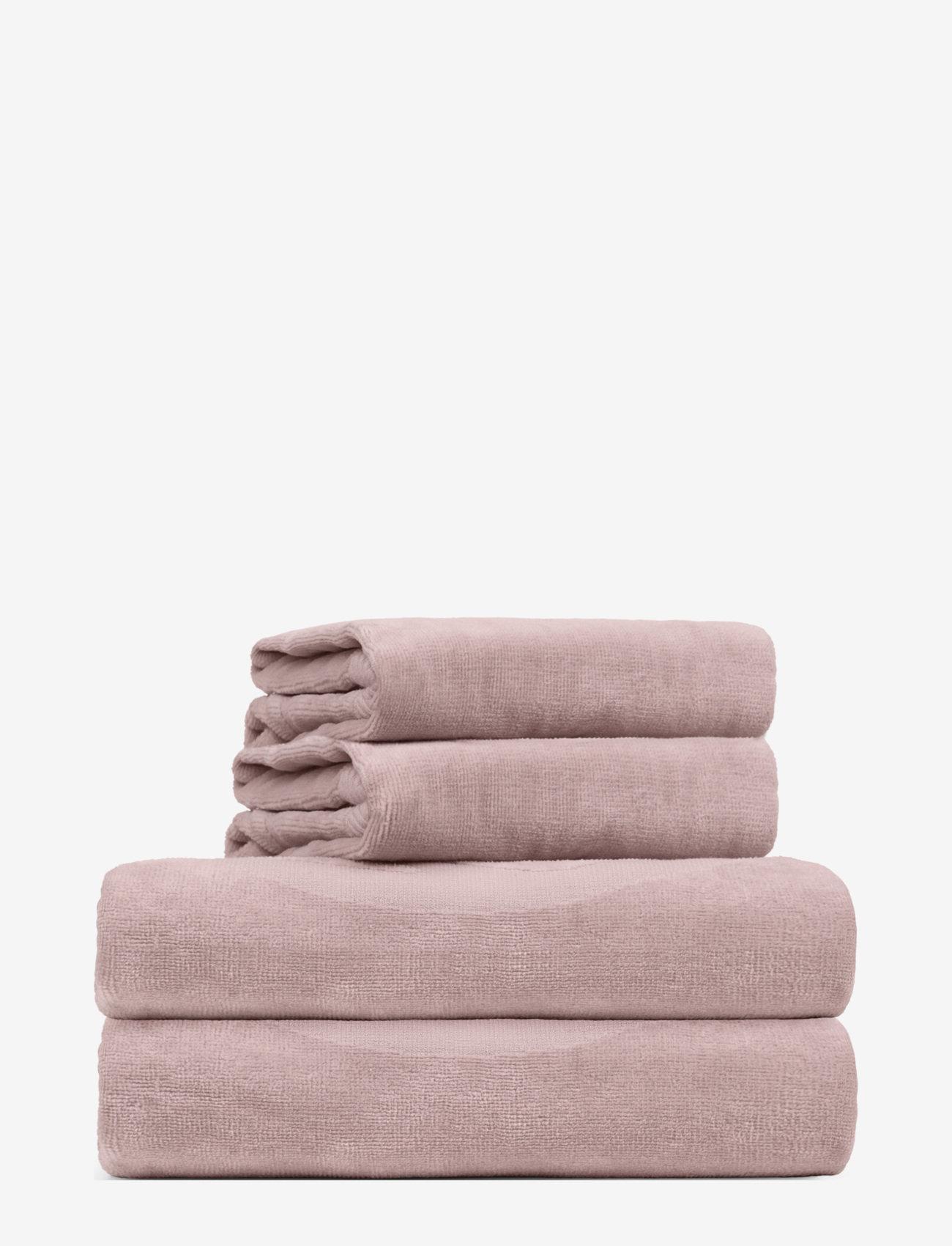 Rosemunde - towel 95x140cm - hand towels & bath towels - vintage powder - 0