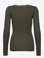 Rosemunde - Organic t-shirt regular w/lace - långärmade toppar - black green - 1