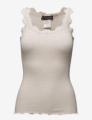 Rosemunde - Silk top regular w/vintage lace - linnen - soft powder - 0