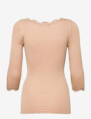 Rosemunde - Silk t-shirt boat neck regular w/vi - langärmlige tops - pure sand - 1