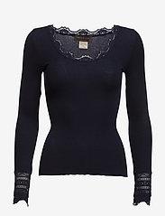 Silk t-shirt w/ lace - NAVY