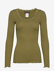 Rosemunde - Silk t-shirt regular ls w/rev vinta - long-sleeved tops - leaf green - 0