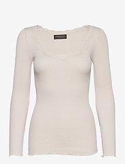 Silk t-shirt w/ lace - SOFT POWDER