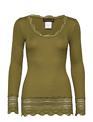 Silk t-shirt medium ls w/wide lace - LEAF GREEN