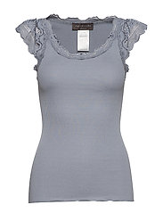 Silk top regular w/wide lace