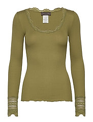 Silk t-shirt regular ls w/wide lace - LEAF GREEN
