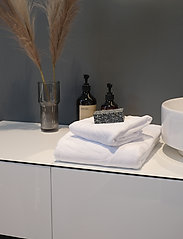 Rosemunde - towel 45x65cm - hand towels & bath towels - new white - 2