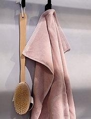 Rosemunde - towel 45x65cm - ręczniki kąpielowe - vintage powder - 3