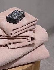 Rosemunde - towel 45x65cm - ręczniki kąpielowe - vintage powder - 4