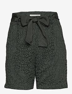 Shorts - casual shorts - urban chic