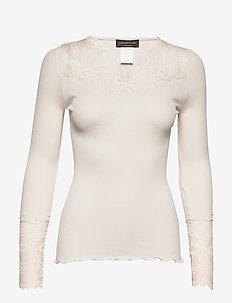 Silk t-shirt regular ls w/ lace - SOFT POWDER