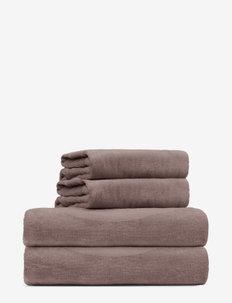 towel 95x140cm - handdoeken en badhanddoeken - dusty brown