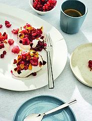 Rosendahl - Grand Cru Oval serving dish 44x30 - tarjoiluastiat ja -lautaset - white - 2