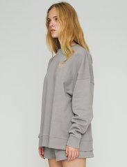ROTATE Birger Christensen - Iris Crewneck - sweatshirts en hoodies - cloudburst - 4