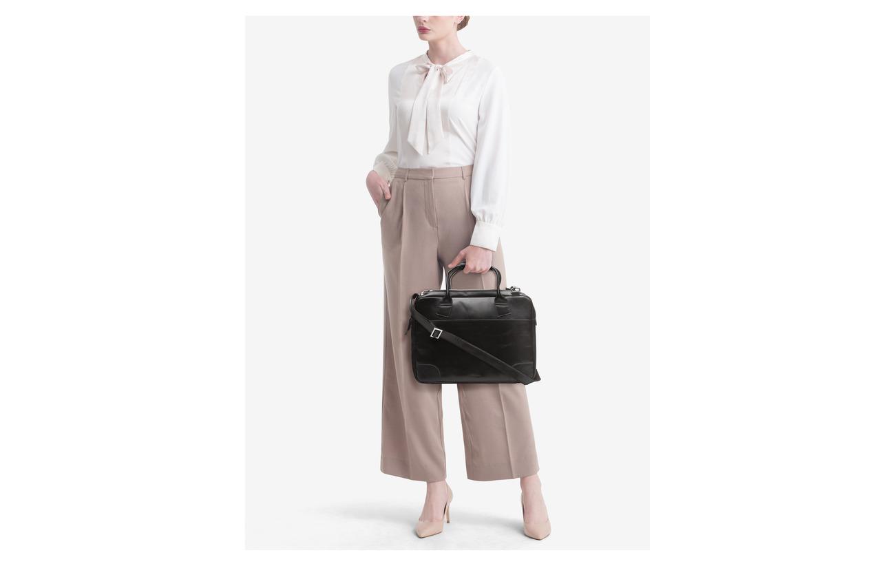 Royal RepubliQ Nano big zip bag leather