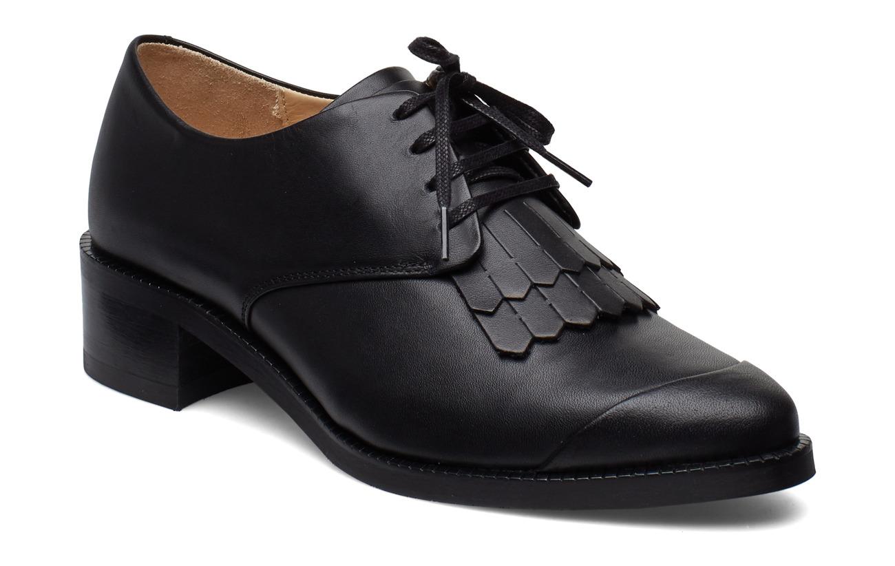 Royal RepubliQ Elite Fringe Shoe - BLACK