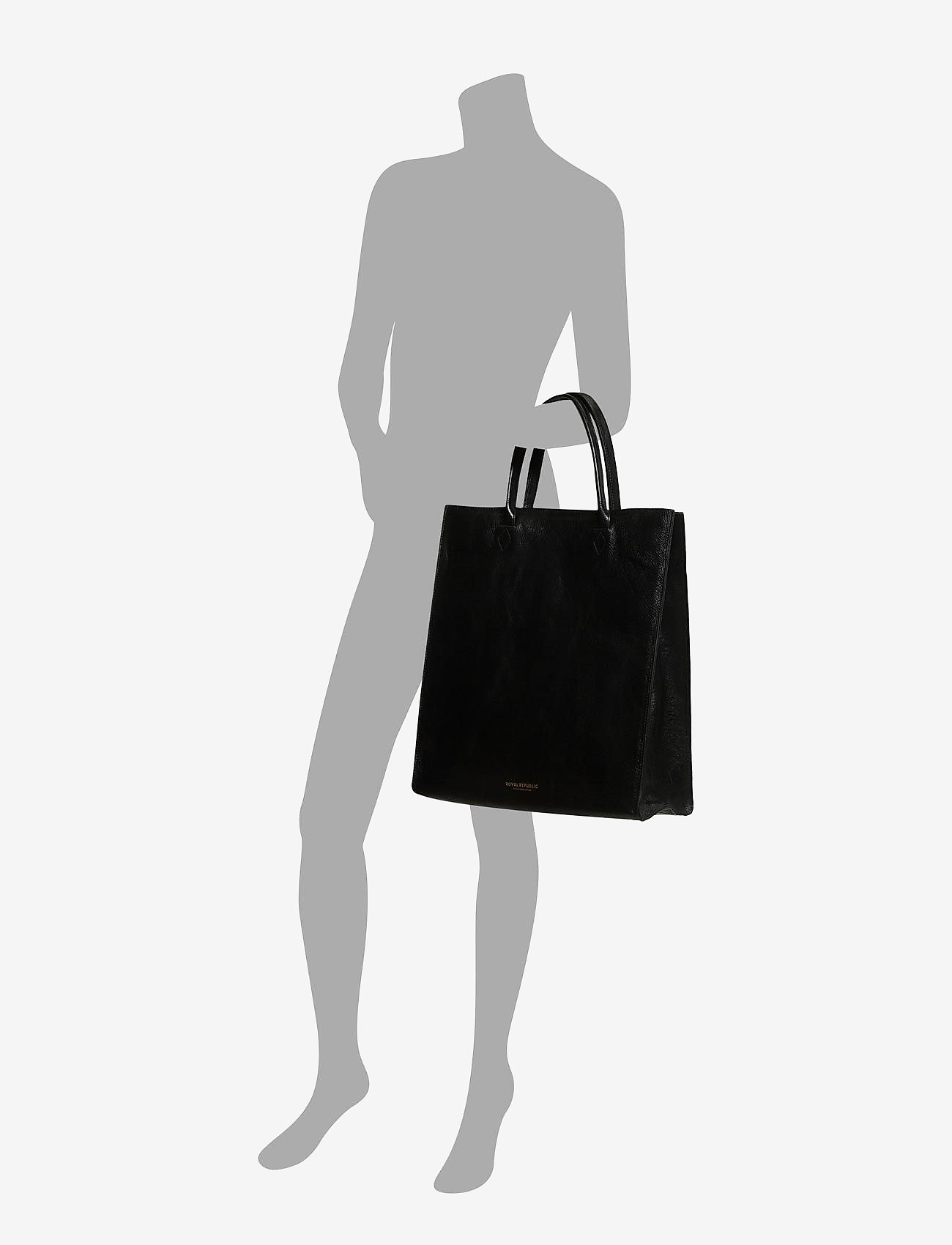 Royal RepubliQ - Mel Tote bag - fashion shoppers - black