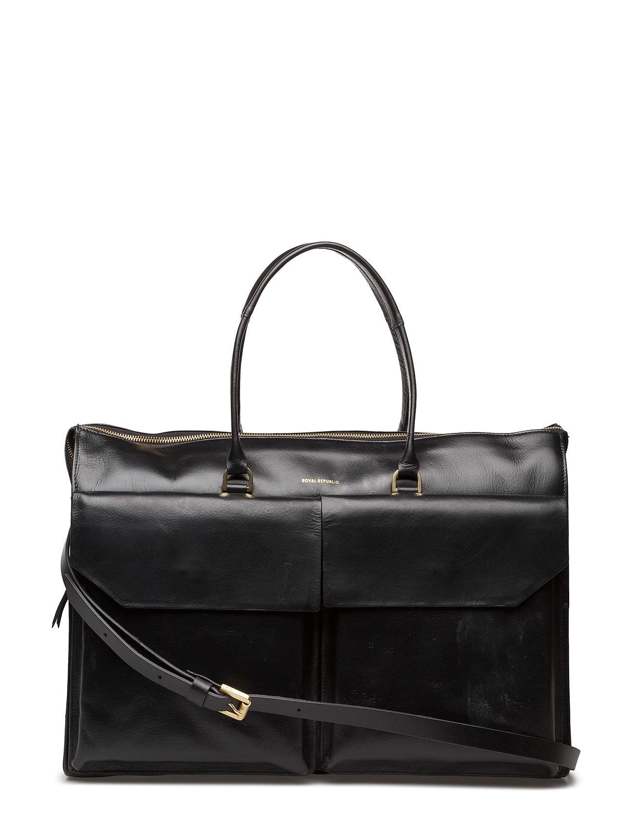 af183b4ebb6 Royal RepubliQ Empress Weekender (Black), (209 €) | Large selection ...