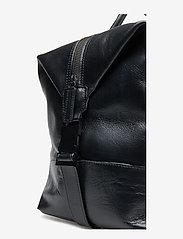 Royal RepubliQ - Supreme Day Bag - weekend bags - black - 3