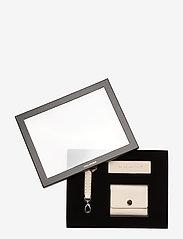The Modernist Gift Box 194 - SAND