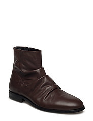 CAST WRINKLE BOOT - BROWN