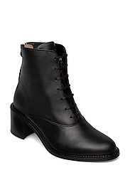 Town Lace Up Boot - BLACK