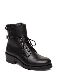 District Monk Lace Up Boot - BLACK