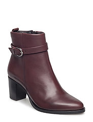 Stellar Strap Boot - BORDEAUX