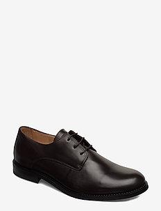 Alias Classic Derby Shoe - laced shoes - chestnut