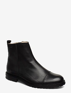 Alias City Hiker Ankle Boot - BLACK