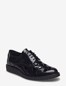 BORDER CREEP PUNCHED SHOE - BLACK