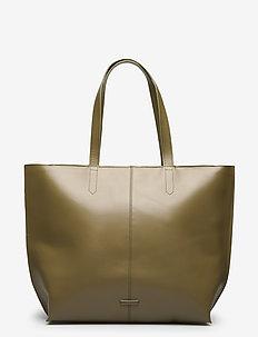 Fusion Shopper - fashion shoppers - olive