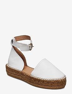 Wayfarer Sandal - WHITE