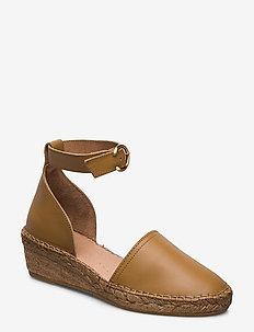 Wayfarer Sandal - heeled espadrilles - camel
