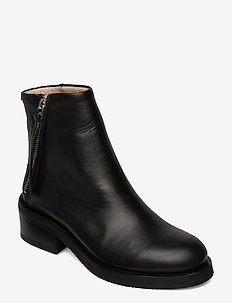 District Ankle Boot - BLACK