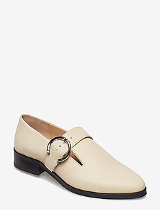 Prime Buckle Shoe - SAND
